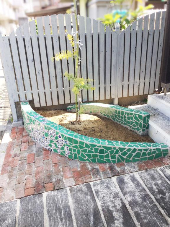 メキシコタイルの花壇DIY