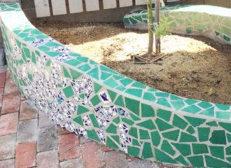 メキシコタイルで花壇をDIY