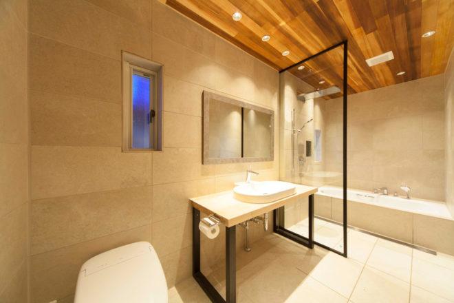 海外のホテルのようなラグジュアリーバスルーム