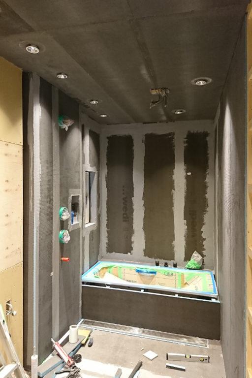 wedi自由設計バスルーム:施工の様子