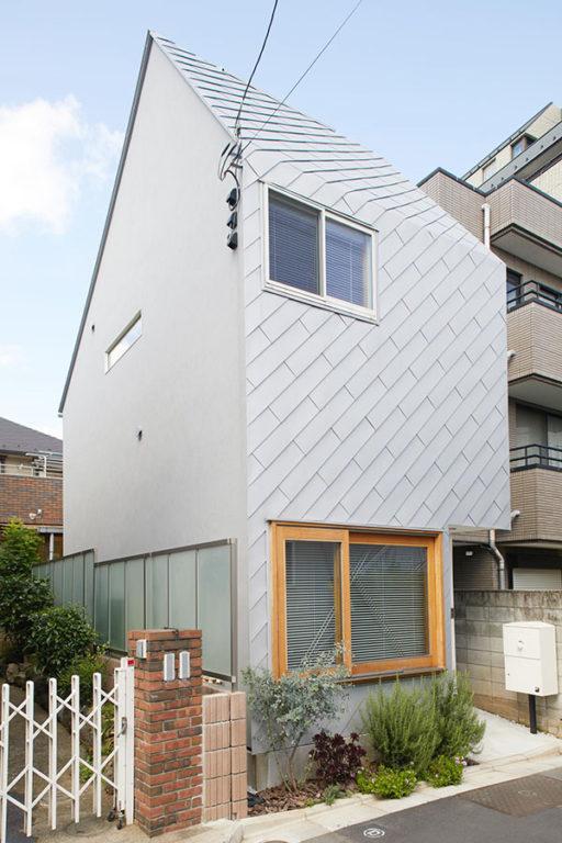 「渡辺篤史の建物探訪」で紹介された宅配ボックス「ブライズボックス」採用の戸建住宅