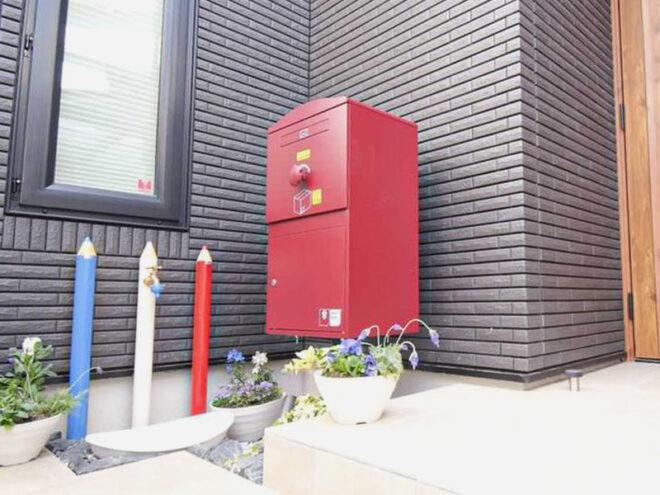 色えんぴつ型立水栓 宅配ボックス Brizebox Large ボルドー