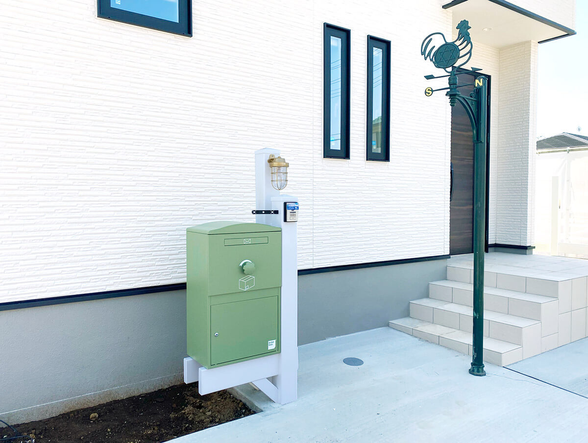 機能門柱バイナルスタンド+宅配ボックスBrizebox施工事例