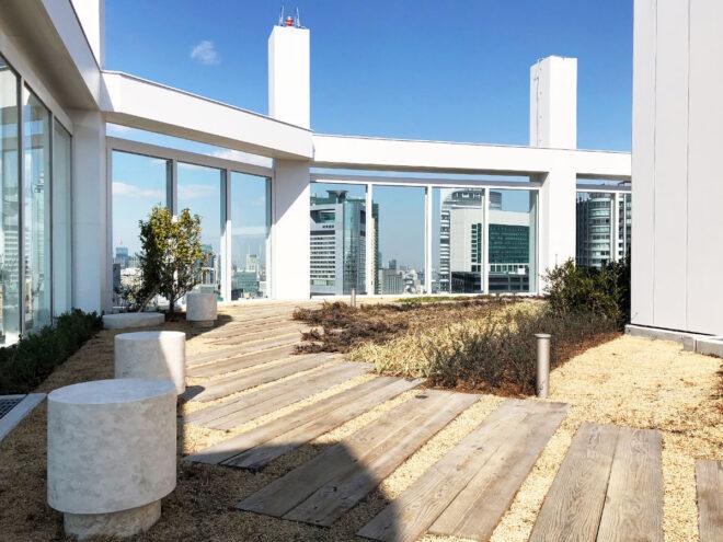 集合住宅屋上・施工例:エステックウッド・ガーデン枕木