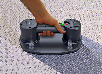 タイルなどの床材・壁材移動に。電動バキュームリフター「GRABO」